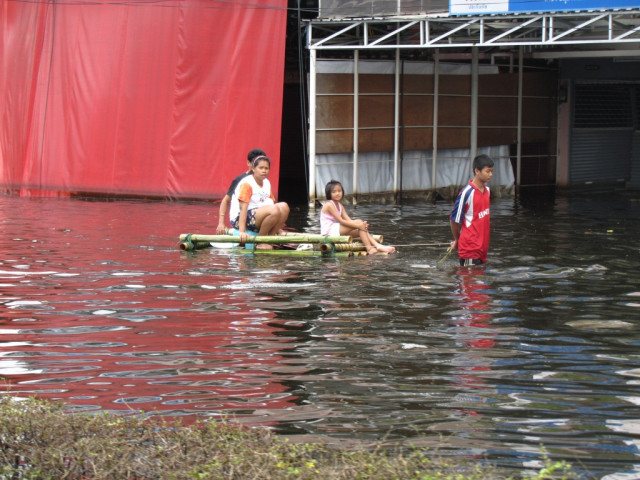 Bangkok flood victims